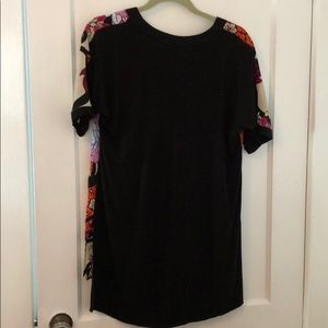 Dana Buchman Tops - Dana Buchanan Floral hi low tunic small